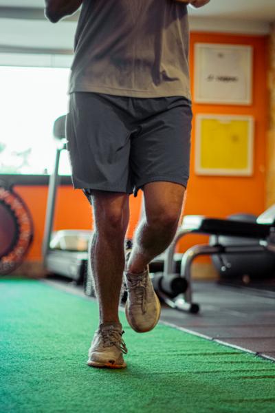 """""""Recomendei que fizesse fisioterapia, ele fez e depois indicamos uma avaliação funcional em que se constatou que a função do joelho estava preservada"""", esclarece Dr. Paulo."""