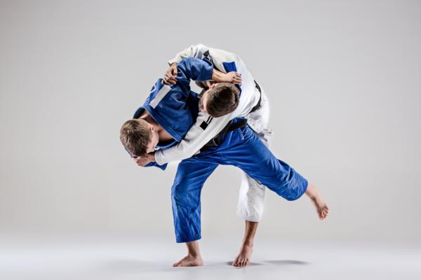 Lesões do joelho em lutadores de judô e jiu-jitsu